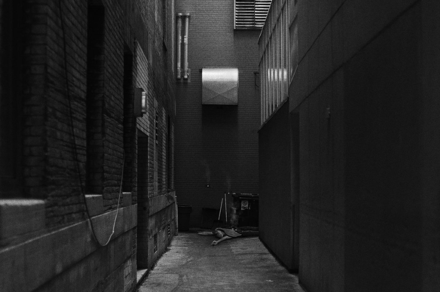 Thomas Dagg - Star Wars - Jarjar Binks dead in an alley