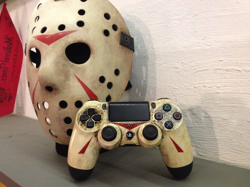 [PIC] Yell This! Jason Voorhees Is On My PS4 Controller ... H20 Delirious Controller
