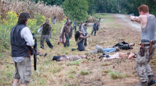 the walking dead season 4 - eugene and ford shooting walkers