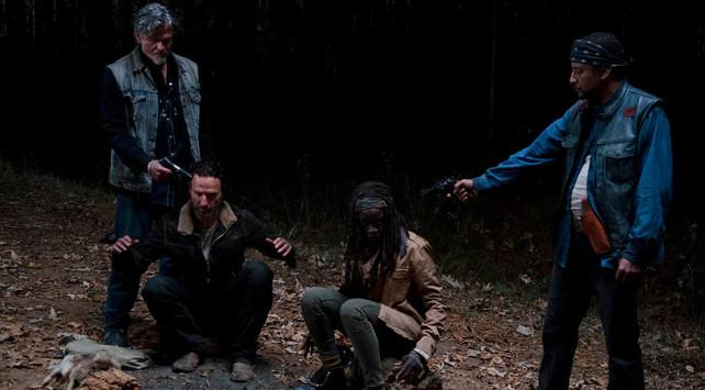 the walking dead - season 4 - joe ambushes rick