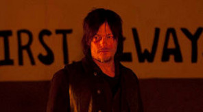 1-the walking dead - season 4 - daryl in candle room