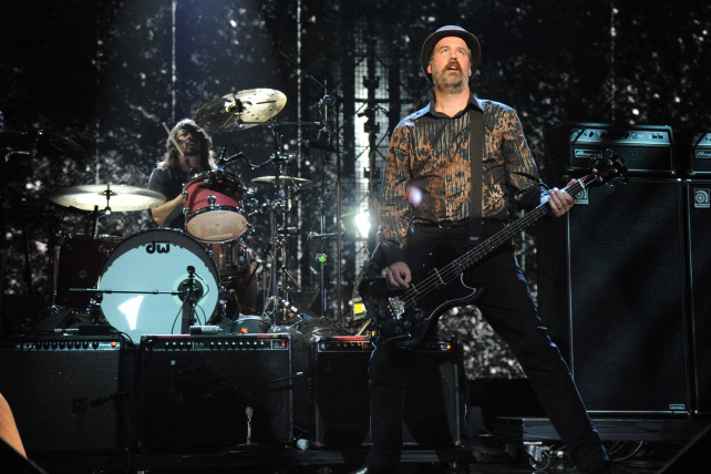 krist novoselic and dave grohl at the nirvana rock hof induction
