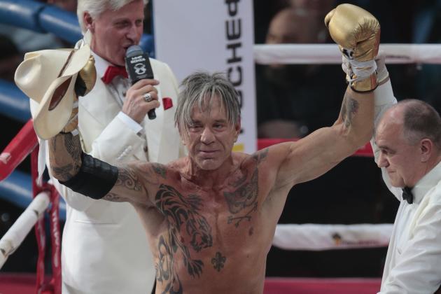 mickey rourke boxing russia