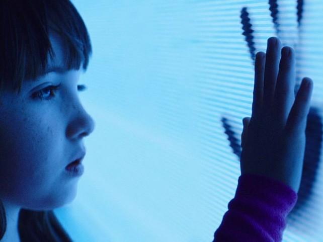 poltergeist tv hands 2