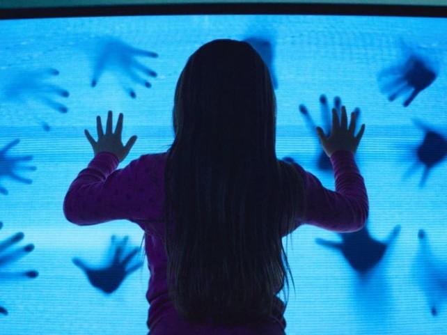 poltergeist tv hands