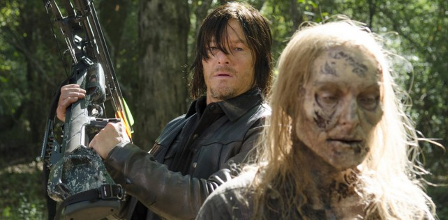 the walking dead season 5 - daryl killing walker