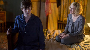 bates motel - season 3 - the pit - norman and norma