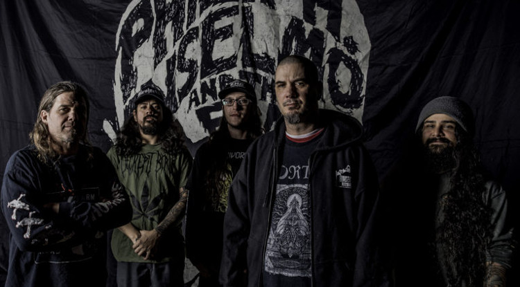 Phil-H-Anselmo-THE-ILLEGALS-2018 750